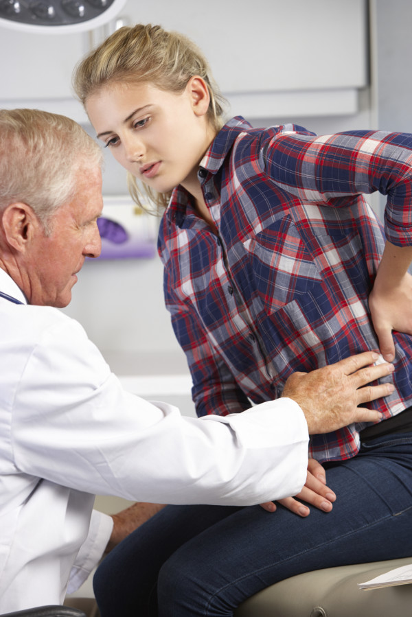 """scoliosis different doctors Many different doctors fall under the category of """"back specialist,"""" and the one best suited to treat your condition will depend heavily on the specifics of your situation to be referred to the correct back doctor, you should begin by meeting."""